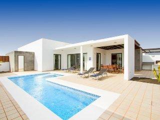 3 bedroom Villa in Playa Blanca, Canary Islands, Spain : ref 5693146