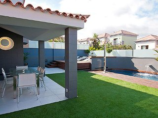 Meloneras Villa Sleeps 8 with Pool Air Con and WiFi - 5334557