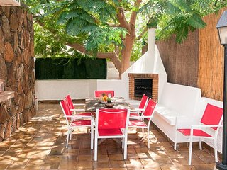 Campo International Villa Sleeps 6 with Pool Air Con and WiFi - 5334555