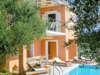 2 bedroom Villa in Grizókampos, Peloponnese, Greece : ref 5334432