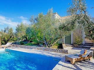 2 bedroom Villa in Gialova, Peloponnese, Greece : ref 5334439