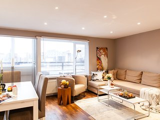 BEST LOCATION! BIG! 3 BEDS/2 BEDROOM COVENT GARDEN 3 MIN to UNDERGROUND