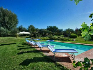 VILLA ERICA - Private Villa with Pool, dependance, wi-fi, equipped outdoor space