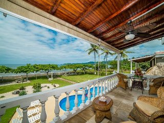 Casa de los Suenos | Beautiful Beachfront Condo on Potrero Beach