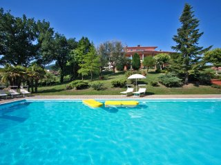 VILLA MAMI - Private Villa with large Pool, wi-fi, air-conditioning, Fabriano
