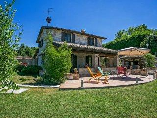 VILLA DORIANA - Private Villa with Pool, wi-fi, barbecue area, panoramic view