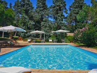 VILLA ROSSINI - Villa with Private Pool, beach 3 Km, wi-fi, pet-friendly, garden