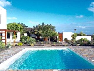 Villa CALMA. Cerca de P.Carmen. Relax y piscina privada