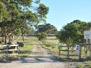 Wenton Farm Holiday Cottages - Grevillea Cottage