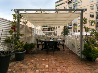 Authentic 3bed/2bath with big terrace in Eixample