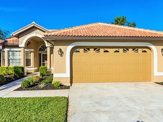 Fort Myers Sunrise - Sunset Serenade.  Gated.  New Furniture.  Golf Included!