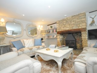 42146 Cottage in Bourton-on-th