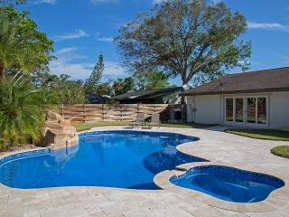 Ft. Myers/Okeechobee Area Vacation Home Heated Pool