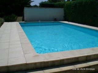 JDV Holidays - Villa St Estelle, Velleron, Provence