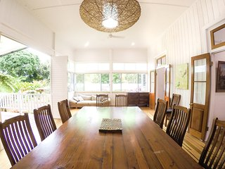 Crazy About Cairns Historical - 5 Bedrooms