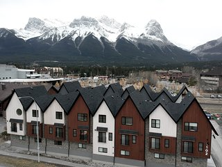 Basecamp Resorts Canmore 3BR