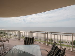 7th Floor Legacy I Condo w/ Balcony, Access to 3 Pools & Spectacular Gulf Views
