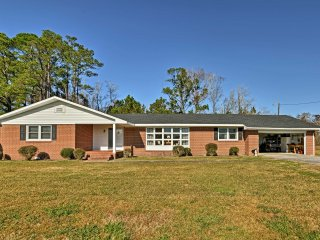 NEW! 4BR Swanquarter Home on 35 Acres - Near Lake!