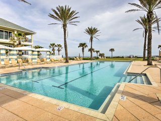 NEW! Oceanfront 3BR Palm Coast Resort Condo w/Pool