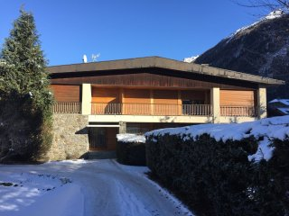 AiguillesD - 3 bedroom luxury apartment in Chamonix centre with stunning views