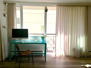 West End clean and cozy studio with private balcony