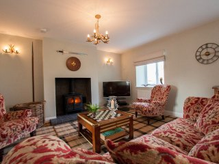 WESTMAINS FARM, hot tub, wi-fi, parking. Ref: 972658
