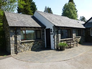 GRIZEDALE COTTAGE, rural, modern, off road parking. Ref: 972644