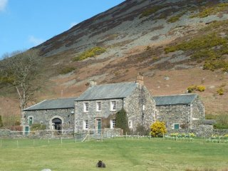 BOWSCALE VIEW, 2 bedroomed cottage sleeping 4 people
