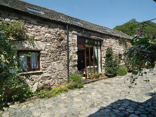 SCAFELL COTTAGE, barn conversion, wi-fi, parking. Ref: 972619