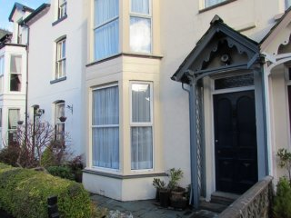 MOUNSEY COTTAGE, centrally located, Keswick cottage, WiFi, Ref: 972600