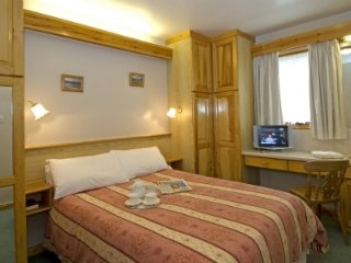 WATERHEAD APARTMENT E, swimming pool, sauna, wi-fi. Ref: 972581