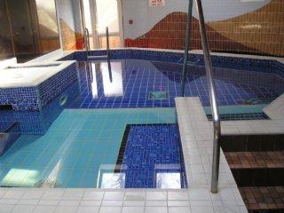 WATERHEAD APARTMENT A, WiFi. parking , swimming pool.Ambleside, Ref 972432