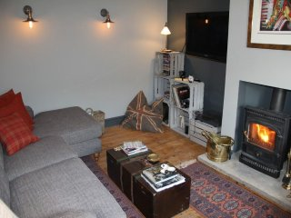 RYCROFT, Woodburning stove,parking in Talkin,Ref 972576