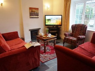 FOUNTAIN COTTAGE, pet friendly, wi-fi, parking. Ref: 972563