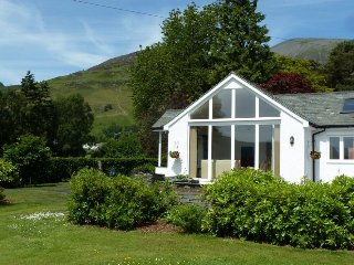 Cragside Cottage. Views to the fells. sleeps 2. Ref: 972545