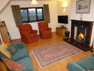 Garth Cottage, pet friendly modern cottage sleeping 6 people