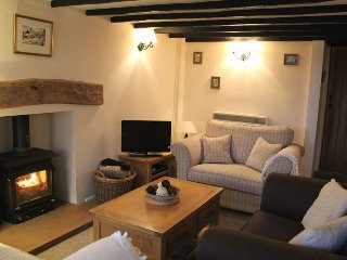 THE OLD POST OFFICE, open fire, wifi, parking. Ref: 972501