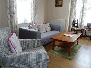PELHAM HOUSE, town house, central location, keswick cottage, pets welcome, Ref: