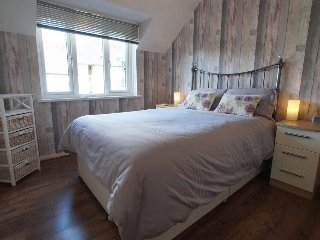 TREE TOPS APARTMENT,3rd Floor,WiFi in Windermere, Ref 972462