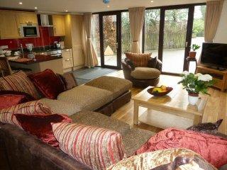 STONEGARTH MEWS,en suite, parking, In Grasmere,Ref 972456