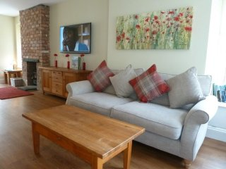 WORDSWORTH HOUSE,WiFi,Wood burning stove,in Keswick Ref 972437