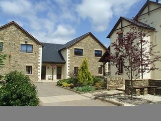 WHITBARROW HOLIDAY VILLAGE (5), compliementary leisure facilities, wifi, parking