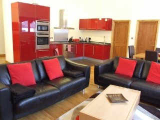 KESWICK LOFT, A fabulous pet friendly apartment sleeping 4