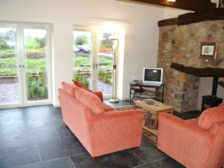 BUTTERMERE, eco-friendly, beautiful outdoor terrace, private parking, near