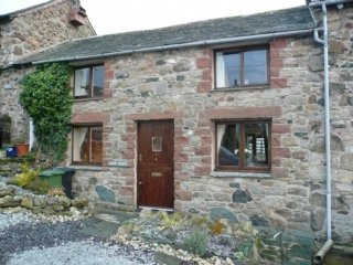 BARN ROOST, charming, pet-friendly, well-equipped kitchen, in Ireby, ref:972275