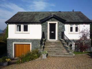 CLOUD END - Luxurious 4 bedroomed house in an elevated area with stunning views