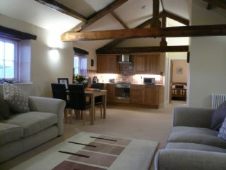 CARLETON MILL COTTAGE, all first floor, exposed wooden beams, views of River Pet