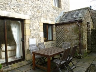 SPRINGARTH COTTAGE, spacious cottage, garden, wifi. Ref: 972245