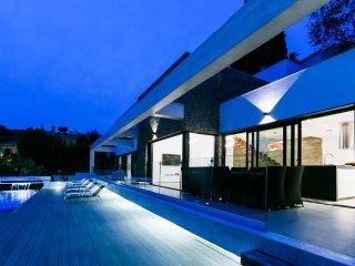 Modern Luxury Villa with an infinity pool and stunning sea views