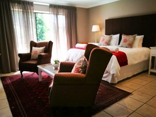 Garden Route Island Guesthouse - Bedroom 1